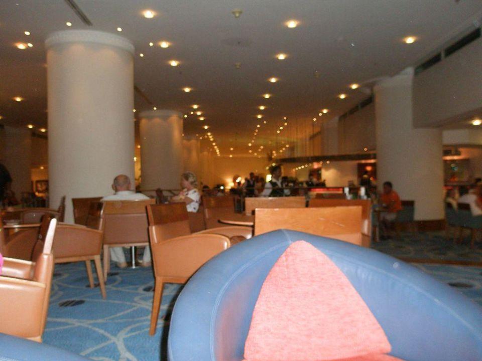 Bar na pierwszym piętrze Taba Hotel & Nelson Village