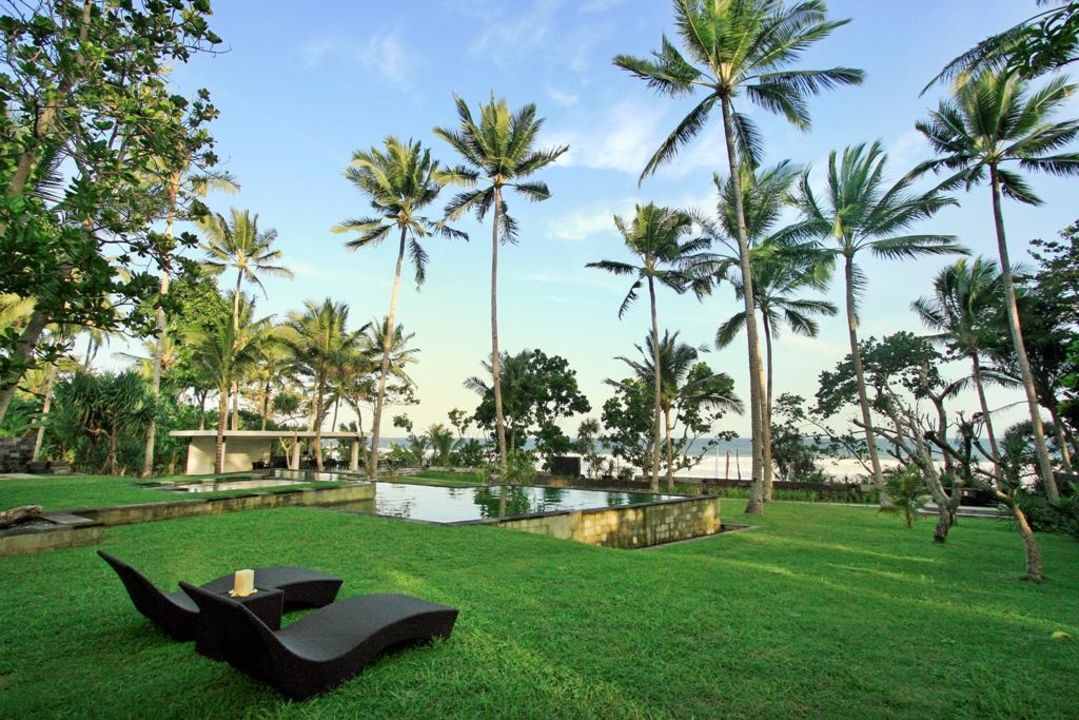 Pool and garden Kelapa Retreat & Spa