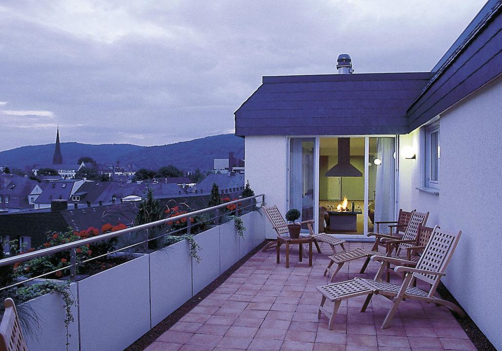 saunaterrasse hotel deutscher hof trier trier holidaycheck rheinland pfalz deutschland. Black Bedroom Furniture Sets. Home Design Ideas
