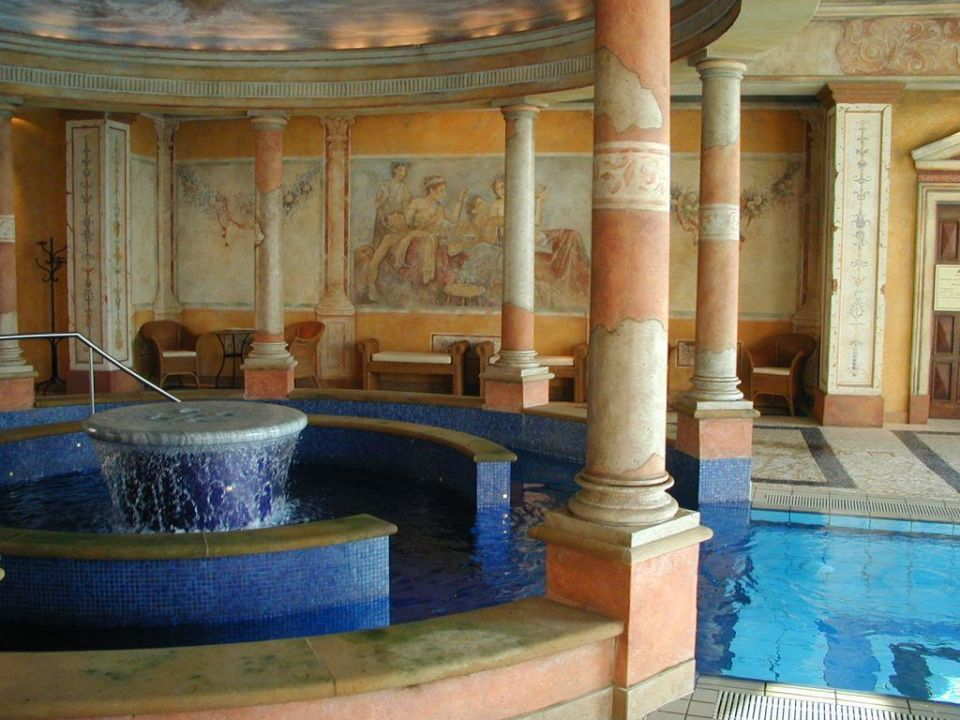 Pool hotel colosseo europa park rust holidaycheck - Hotel colosseo europa park ...