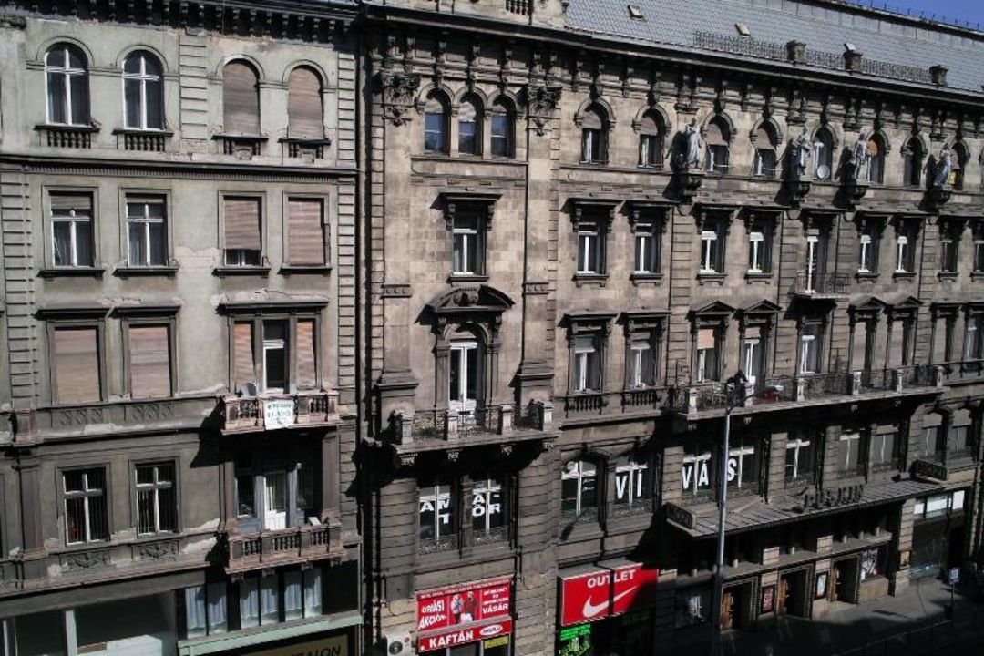 Widok na ulice Kossuth Hotel Eurostars Budapest Center