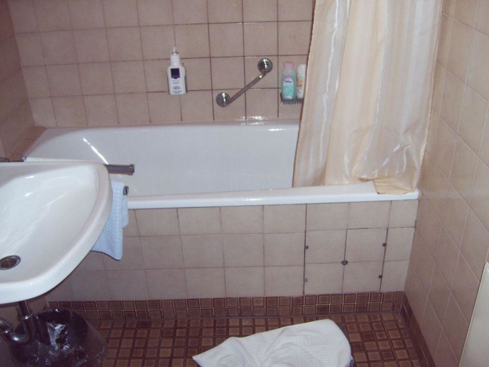 Das Badezimmer (3,5 Sterne!) Hotel Luitpold Am See 1u00262