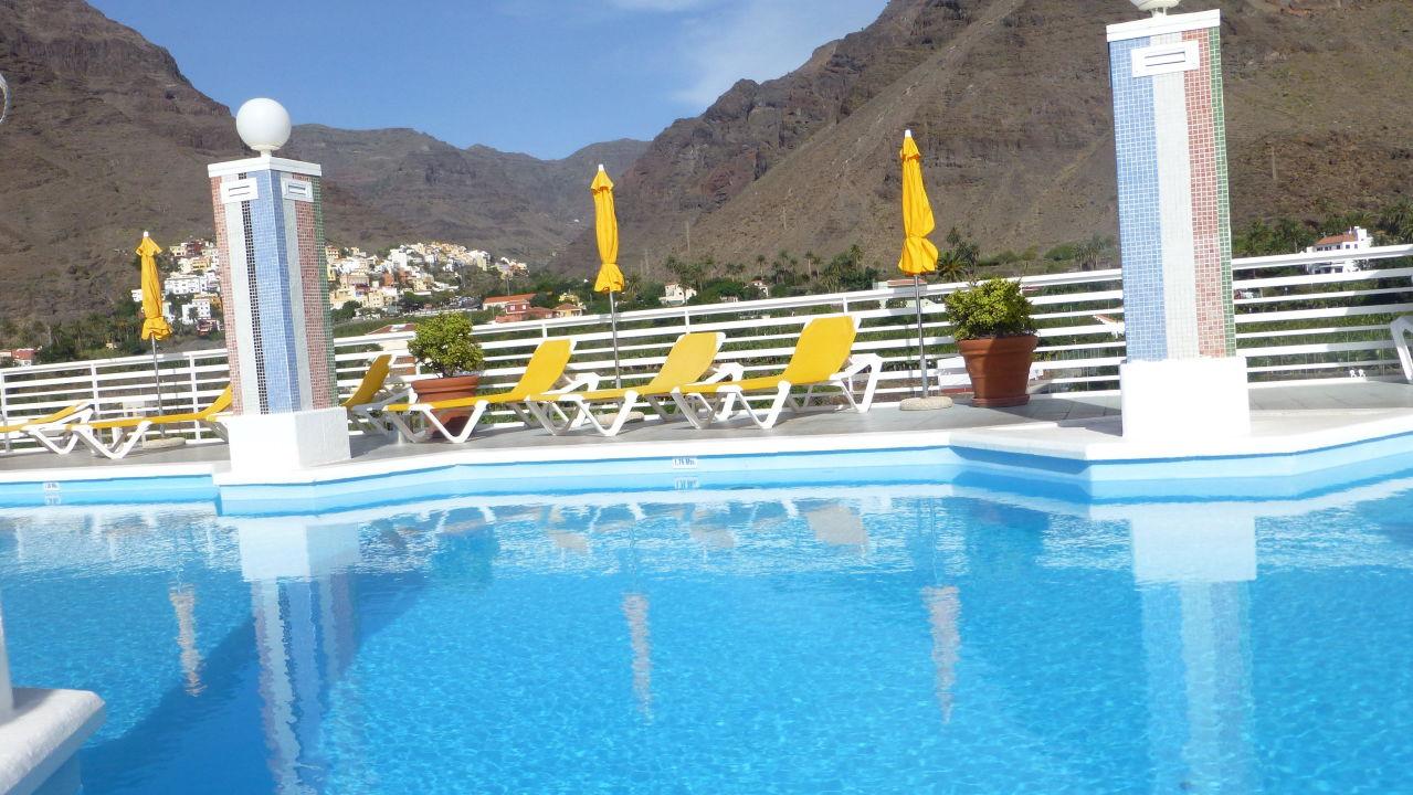 pool auf dem dach hotel gran rey valle gran rey holidaycheck la gomera spanien. Black Bedroom Furniture Sets. Home Design Ideas
