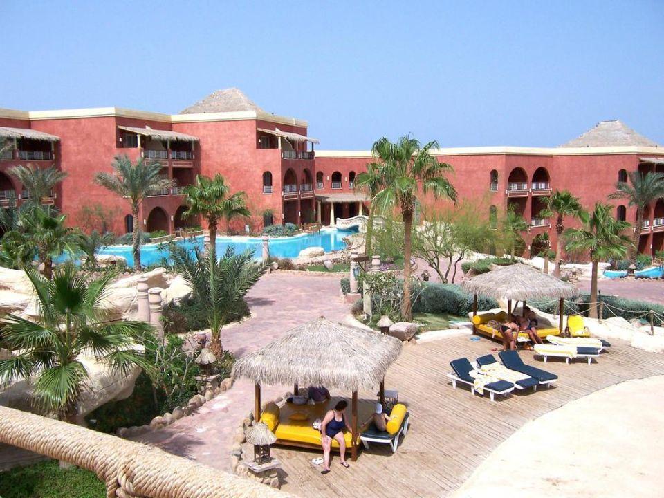 Gebäude mit Lagune Hotel Laguna Vista Beach Resort