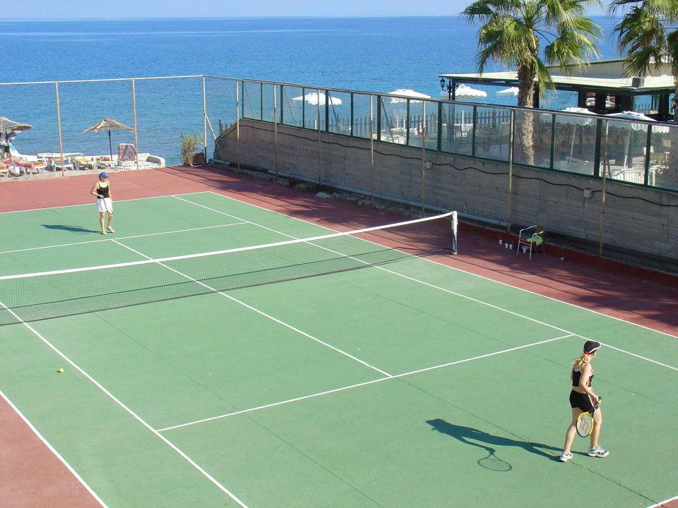 Tennis Avra Beach Resort Hotel & Bungalows