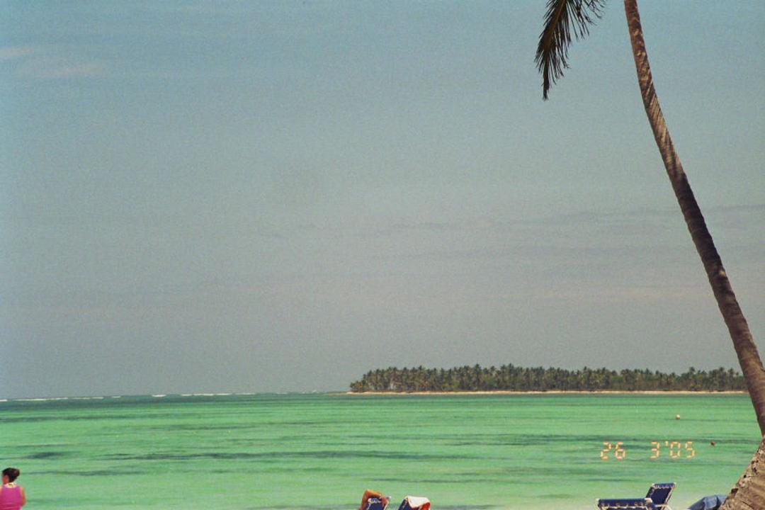 Strand, lass die Weiten des karibischen Anblickes Barcelo Bavaro Beach