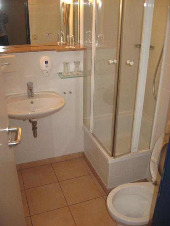 Sehr kleines Badezimmer\
