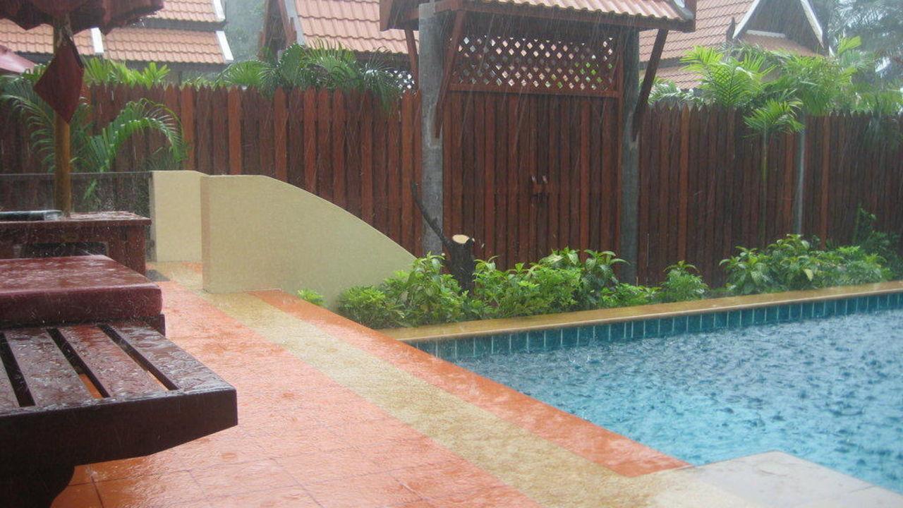 Poolvilla bei Regen Hotel Koh Chang Paradise Resort
