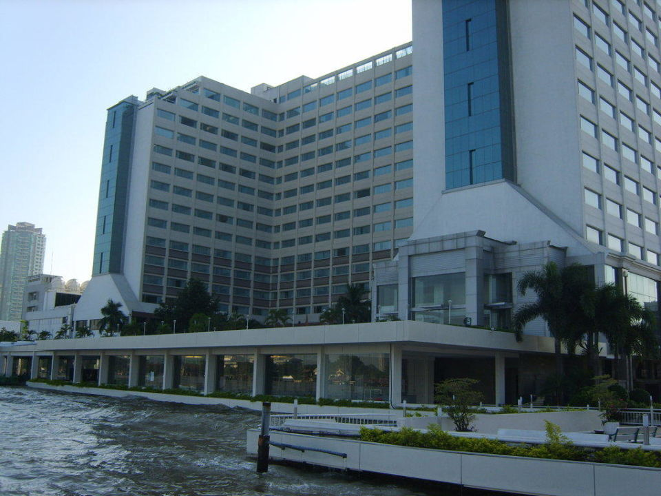 """""""The Menam"""" von der Wasserseite Ramada Plaza Bangkok Menam Riverside"""