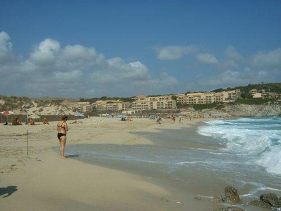 Hotelanlage vom Strand aus Zafiro Cala Mesquida