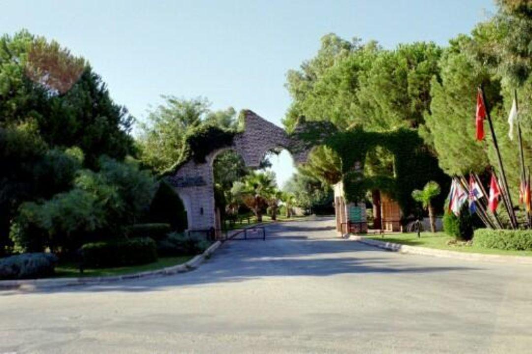 Hoteleinfahrt Merit Arcadia Golf Resort in Belek Limak Arcadia Hotel & Resort