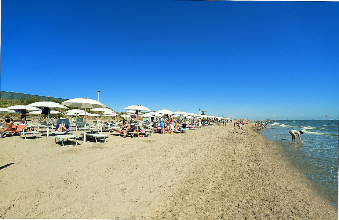 Matrimonio Spiaggia Isola Verde : Quot spiaggia privata residence nova marina isola verde