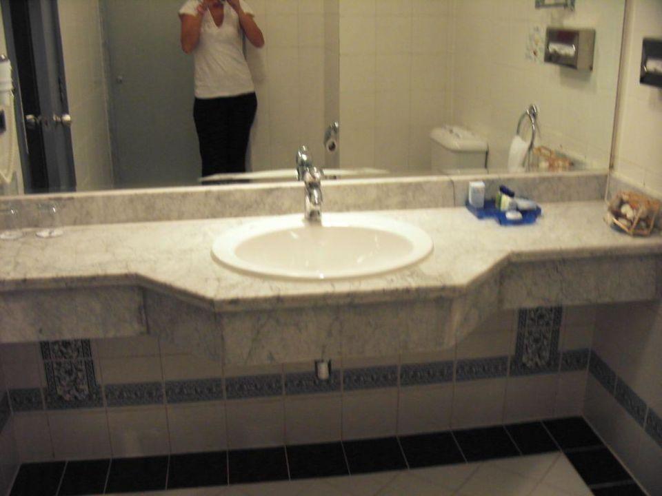 Das Badezimmer V. Zimmer 17101 SUNRISE Select Royal Makadi Resort