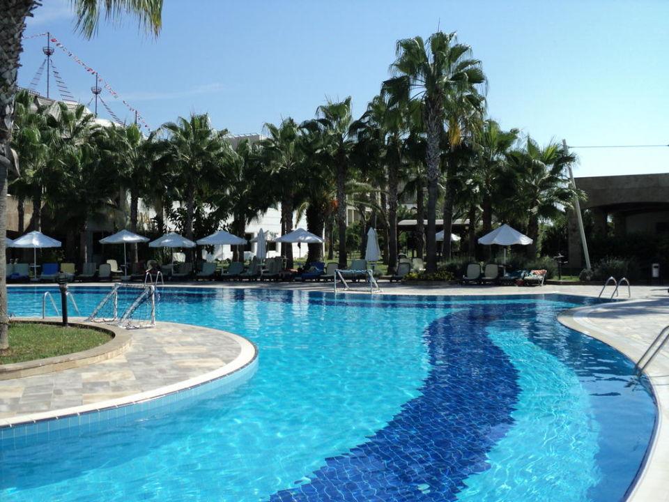 Pool Selin Kamelya Collection K Club