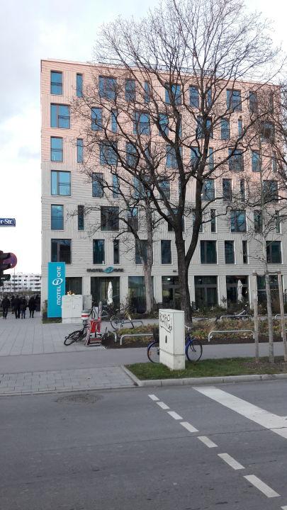 Außenansicht Motel One München-Olympia Gate