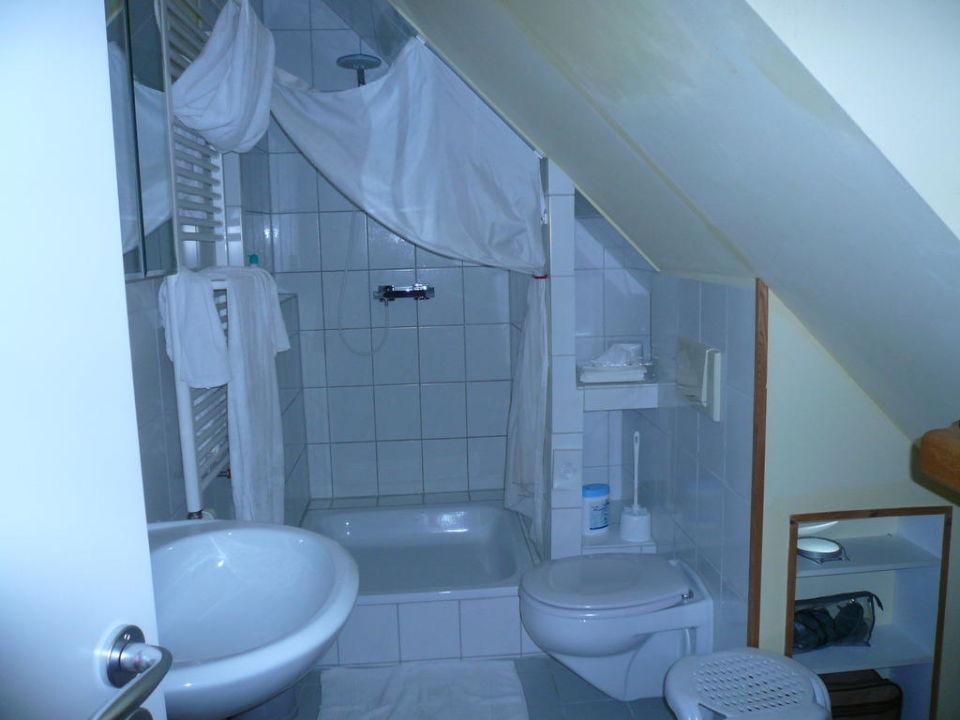 """Badezimmer In Der Dachschräge!"""" Aparthote Benji (Adelshofen"""