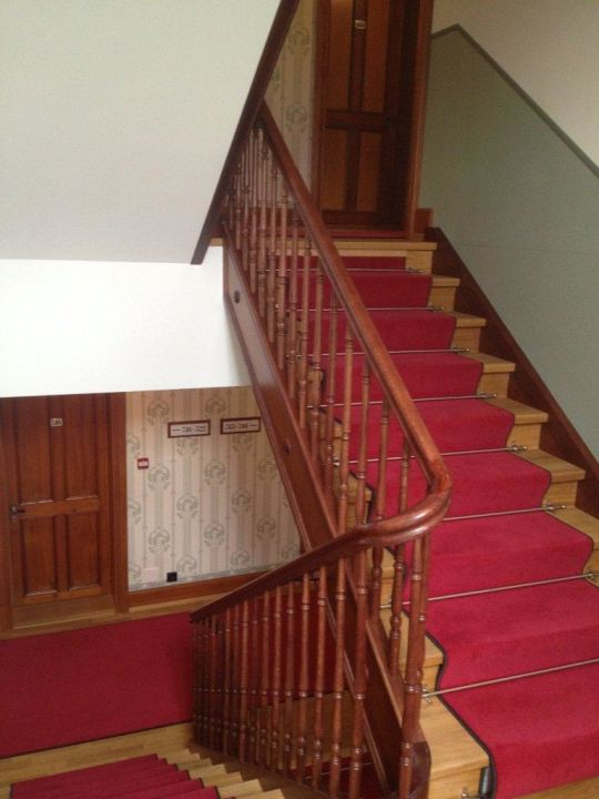 treppenhaus jugendstil hotel paxmontana sachseln. Black Bedroom Furniture Sets. Home Design Ideas