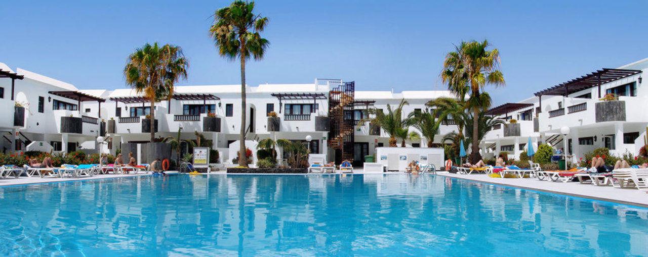 Piscina Hotel Plaza Azul