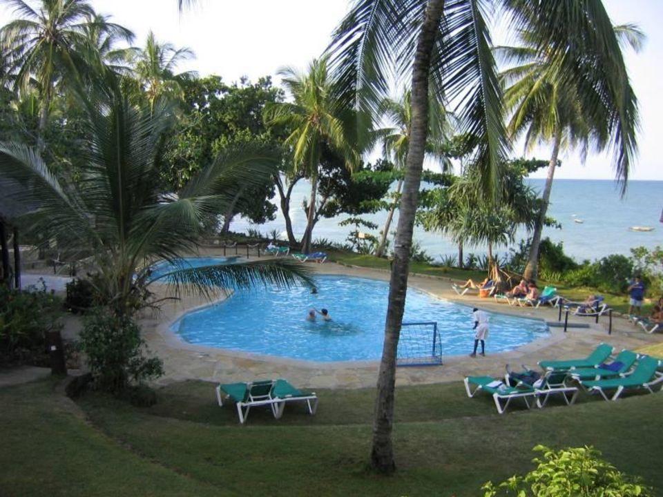 Blick auf den Pool Baobab Beach Resort & Spa