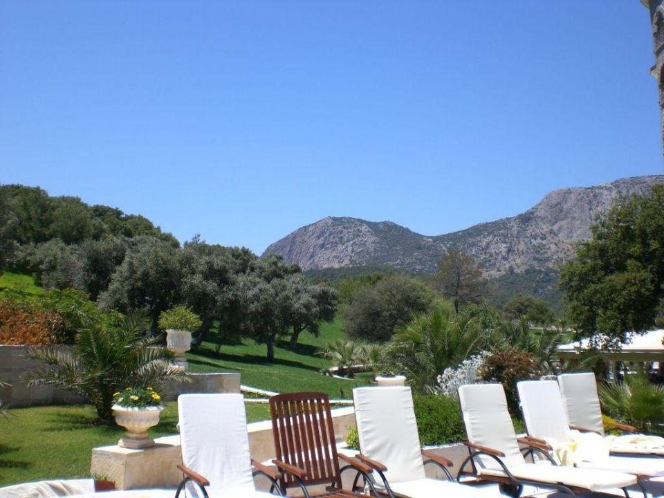 Poolliegen mit Aussicht Castle Resort & Spa Hotel Sarigerme