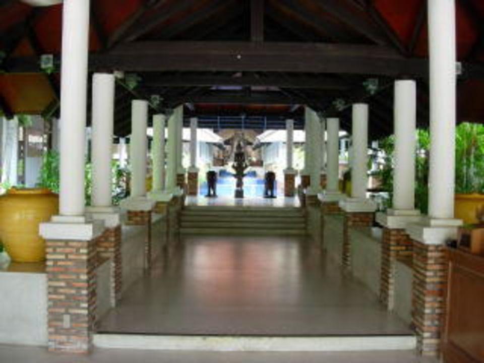 Club Med, vom Haupteingang der Weg zur Rezeption Club Med Phuket