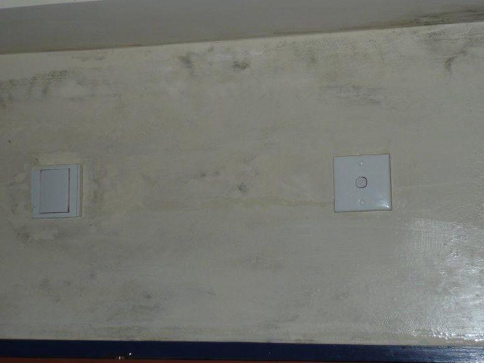 Wand von der Ausgangstür Club Hotel Dolphin