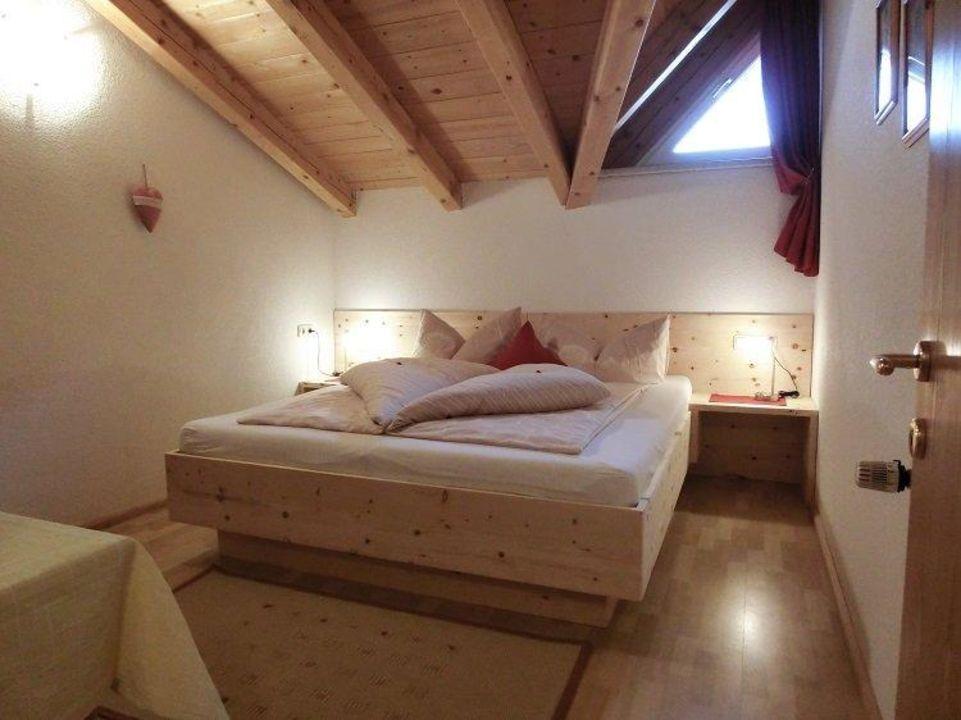 """""""Entspannen und tief schlafen im Zirbenholz-Bett"""" Berghof ..."""