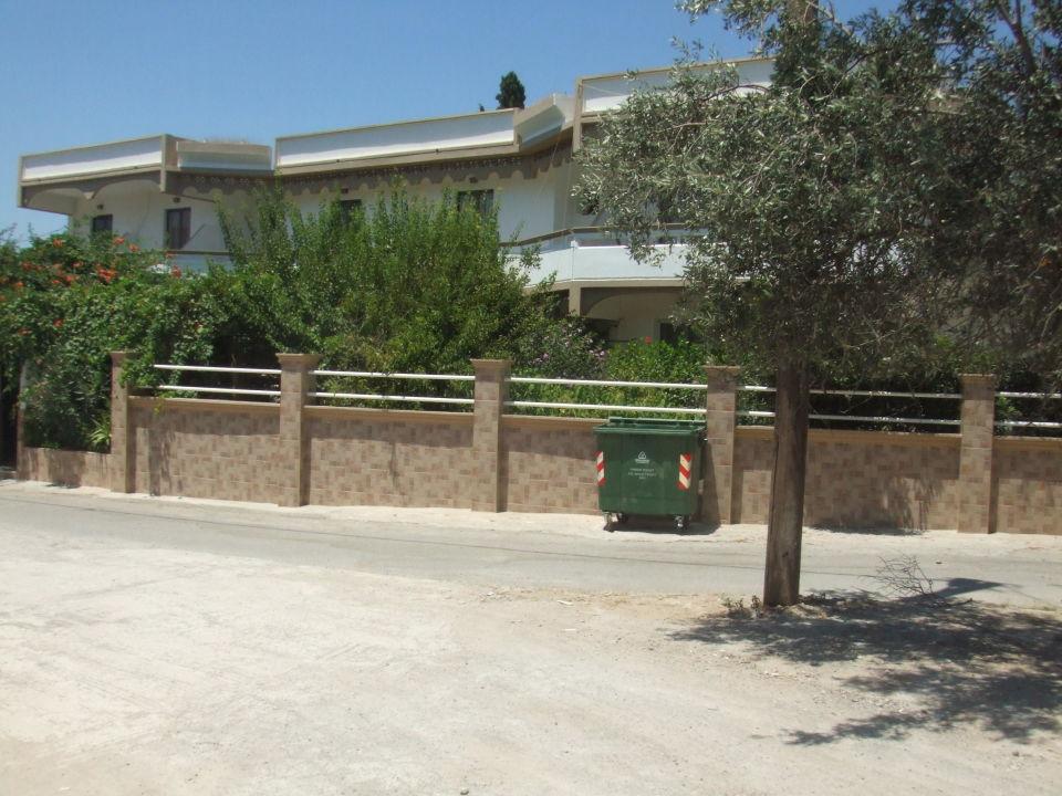 Der Eingang Total Zugewachsen Tur Klemmt Hotel Dimitra