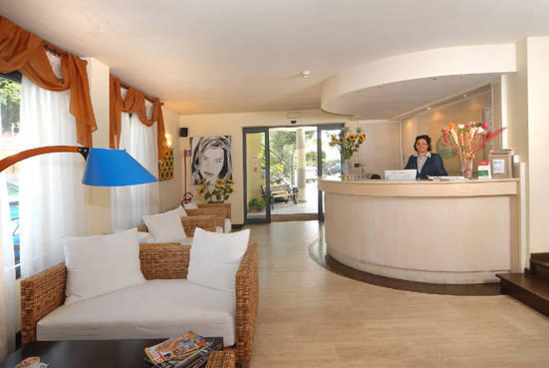 Reception Hotel Europa