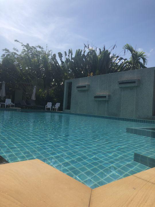 Pool Arthaya Villas