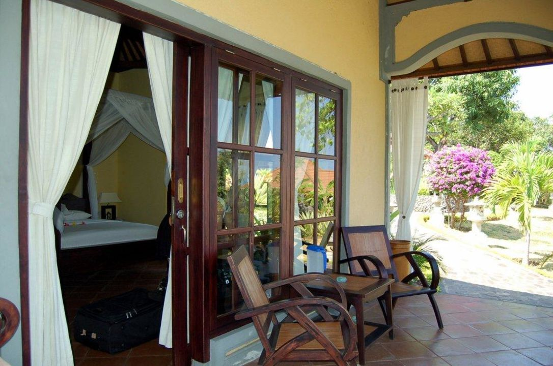 Die Veranda vor unserem Bungalow Hotel Puri Mangga