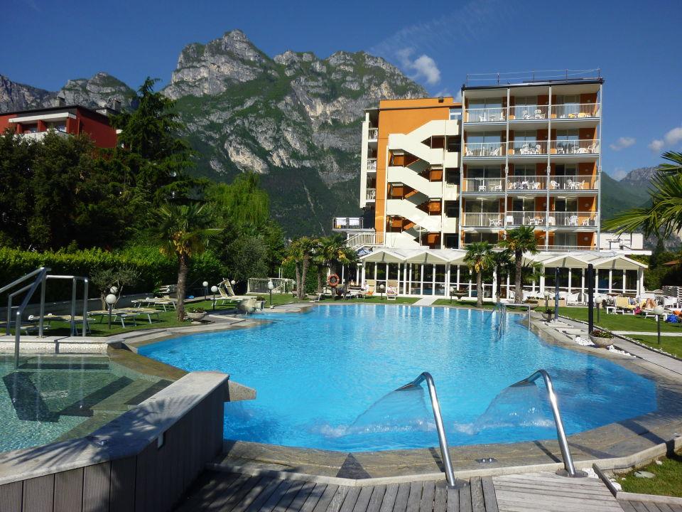 U0026quot Pool Am Tag U0026quot  Hotel Savoy Palace