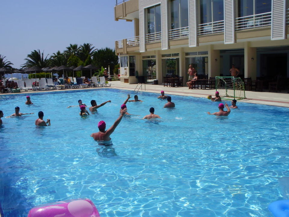 Elke middag waterpolo wie wilde meedoen Hotel Ephesia