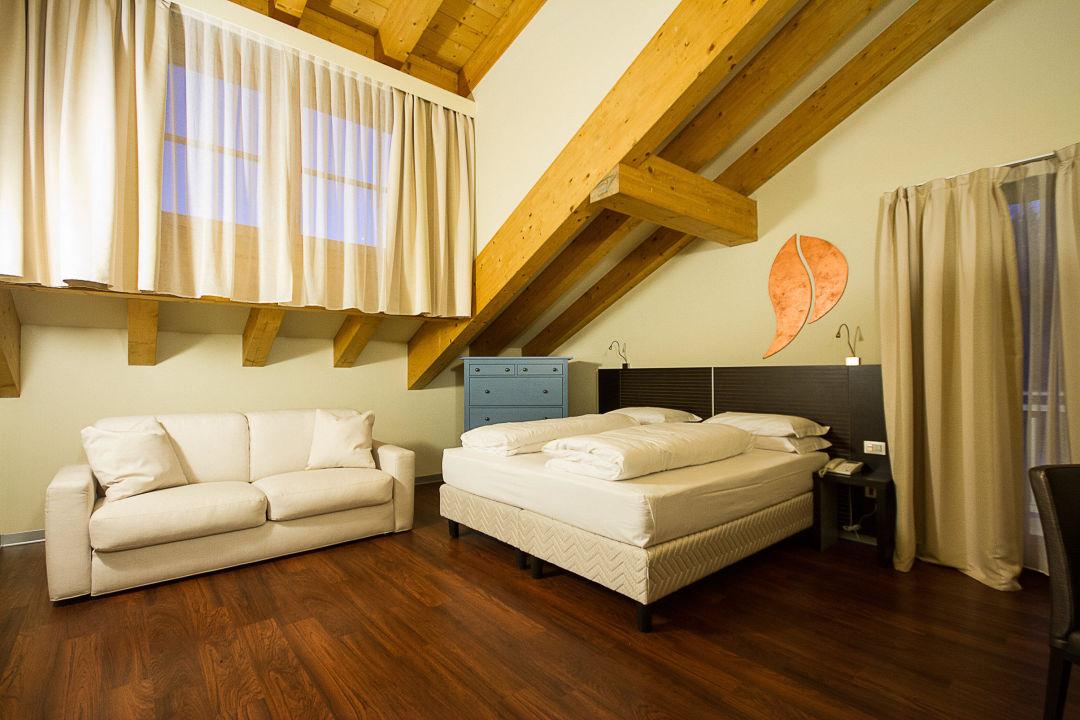 Camera DeLuxe con letto king-size+divano letto\