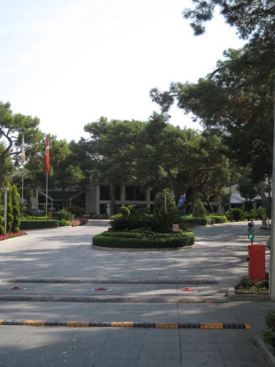 Einfahrt zum Hotel Hotel Rixos Sungate