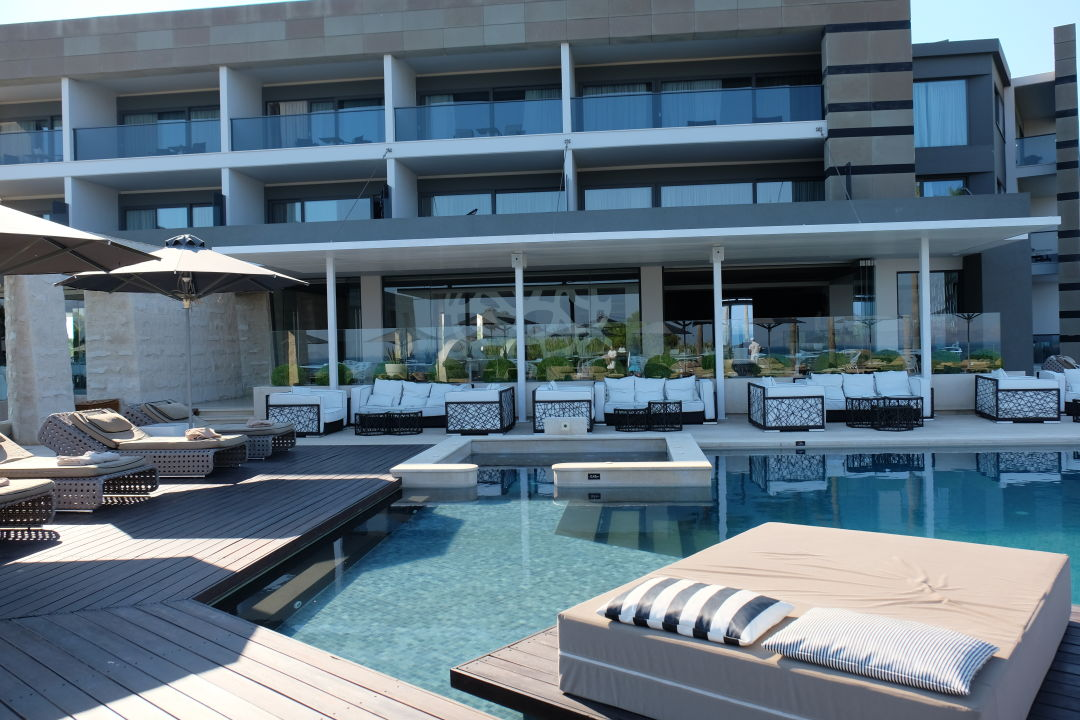 B Boutique Hotel And Spa