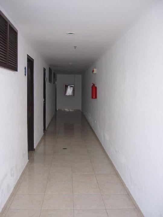 Esperos Village - Flur zu Zimmer 201 bis 203 Esperos Village Blue & Spa