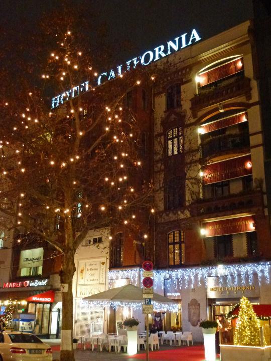 Weihnachtsbeleuchtung Berlin.Hotel California Mit Weihnachtsbeleuchtung Hotel California