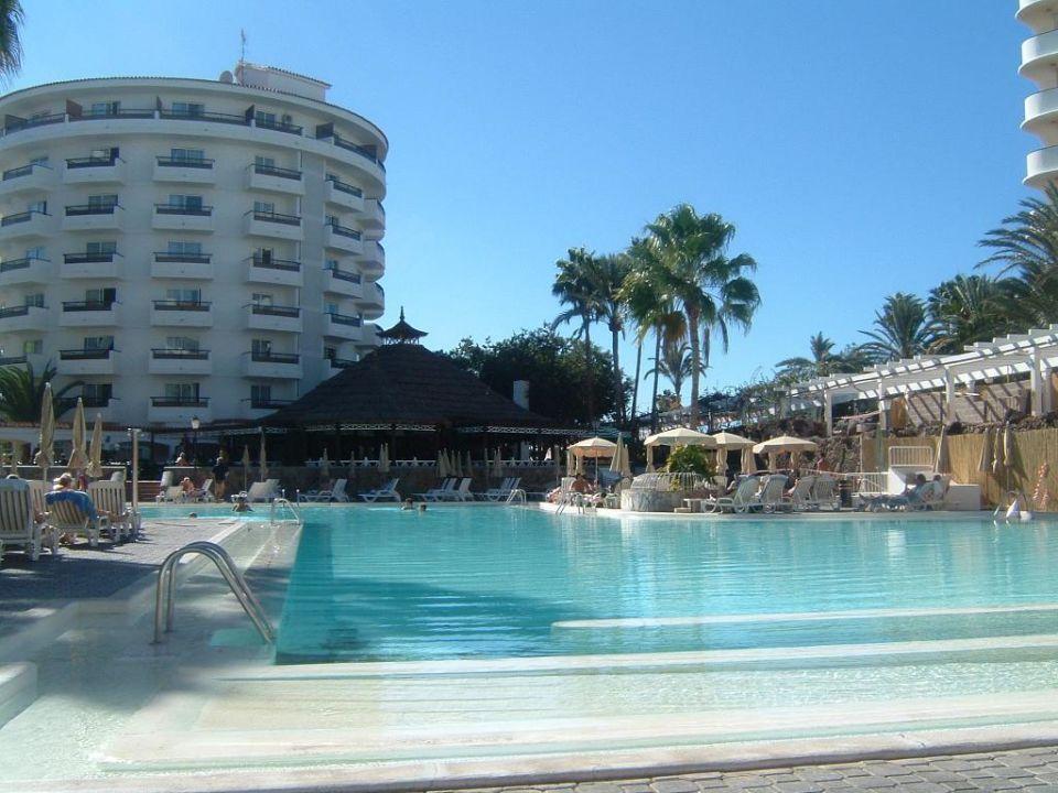 Der Pool vom Hotel Waikiki Clubhotel Servatur Waikiki