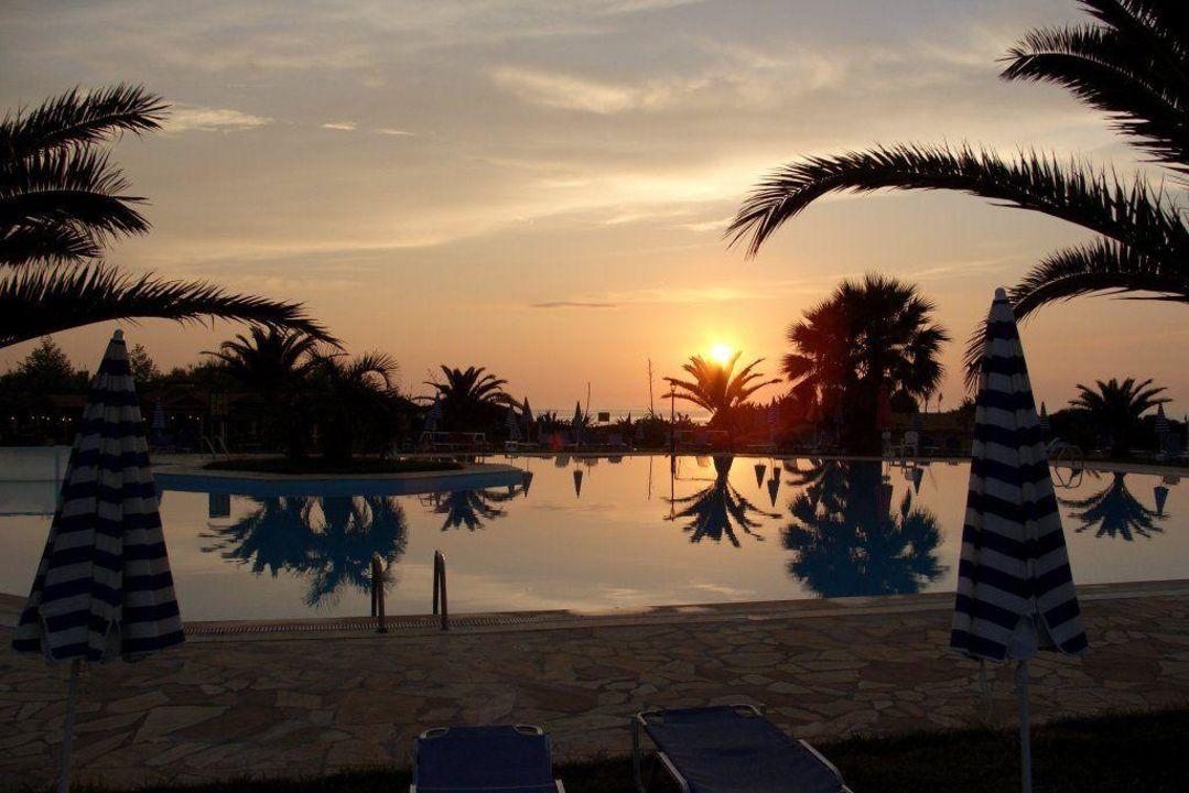 Abend am Pool Gelina Village