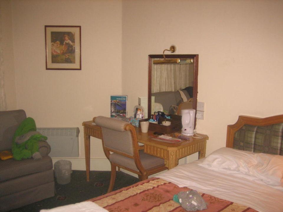 Room Trafford Hall Hotel