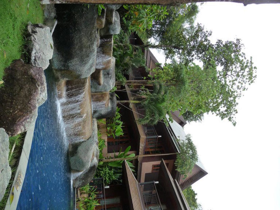 Stufenförmige Poolanlage Khao Lak Merlin Resort