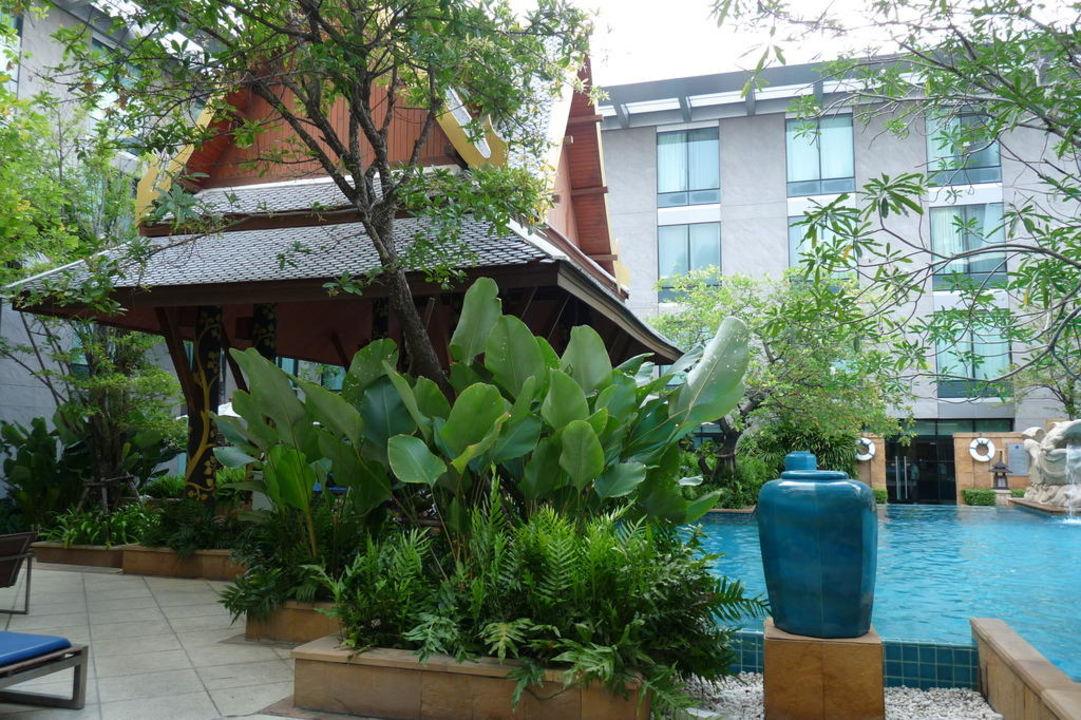 Poolbar Hotel Novotel Suvarnabhumi Airport