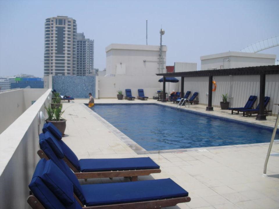 pool auf dem dach citymax hotel bur dubai dubai holidaycheck dubai vereinigte arabische. Black Bedroom Furniture Sets. Home Design Ideas