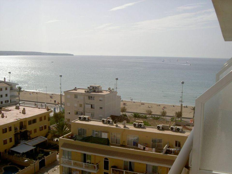Blick zum Strand Hotel Java