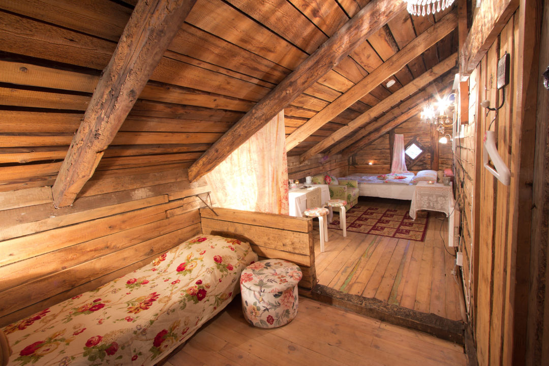 """Attic Chambre"": double room in the attic Marta Guesthouse"