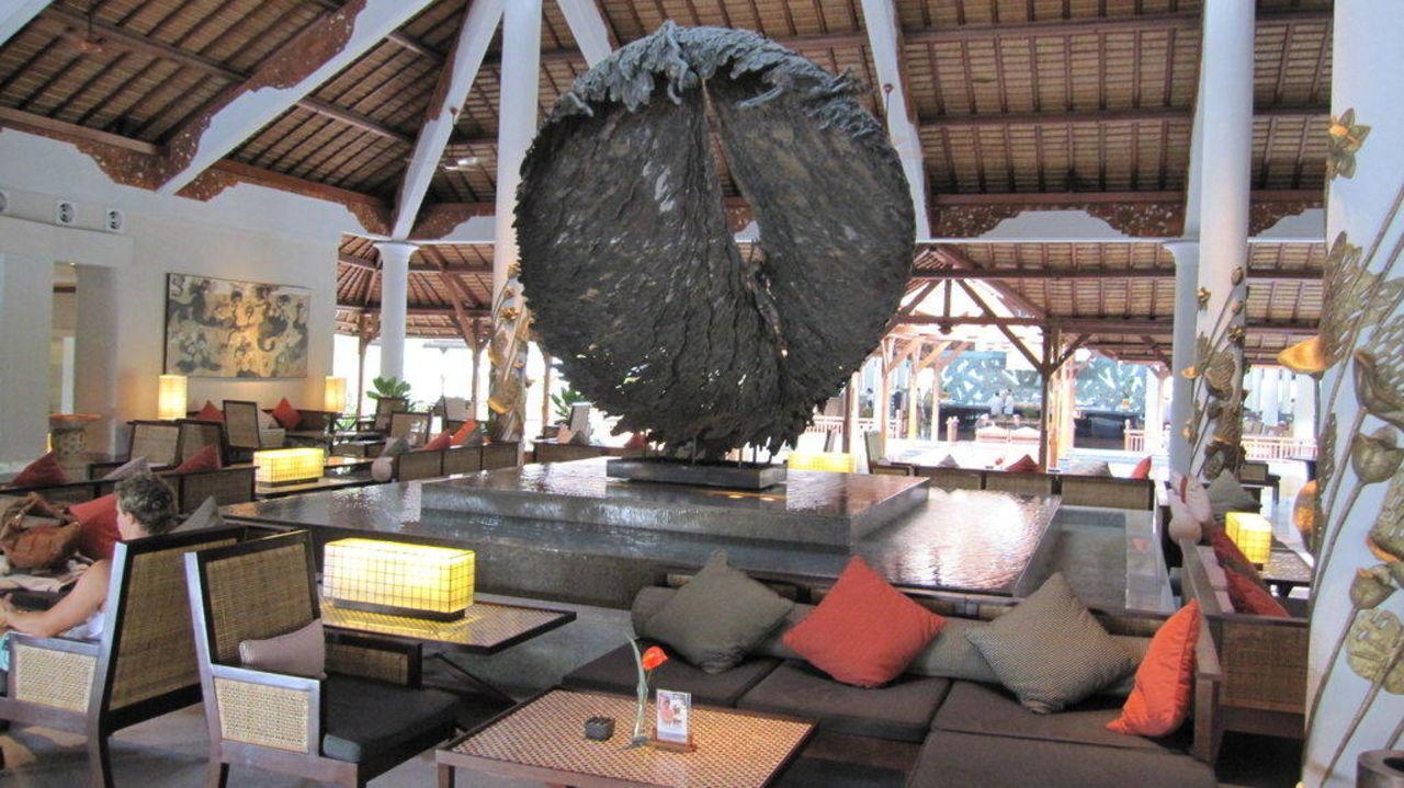 Neue Lobby Padma Resort Legian