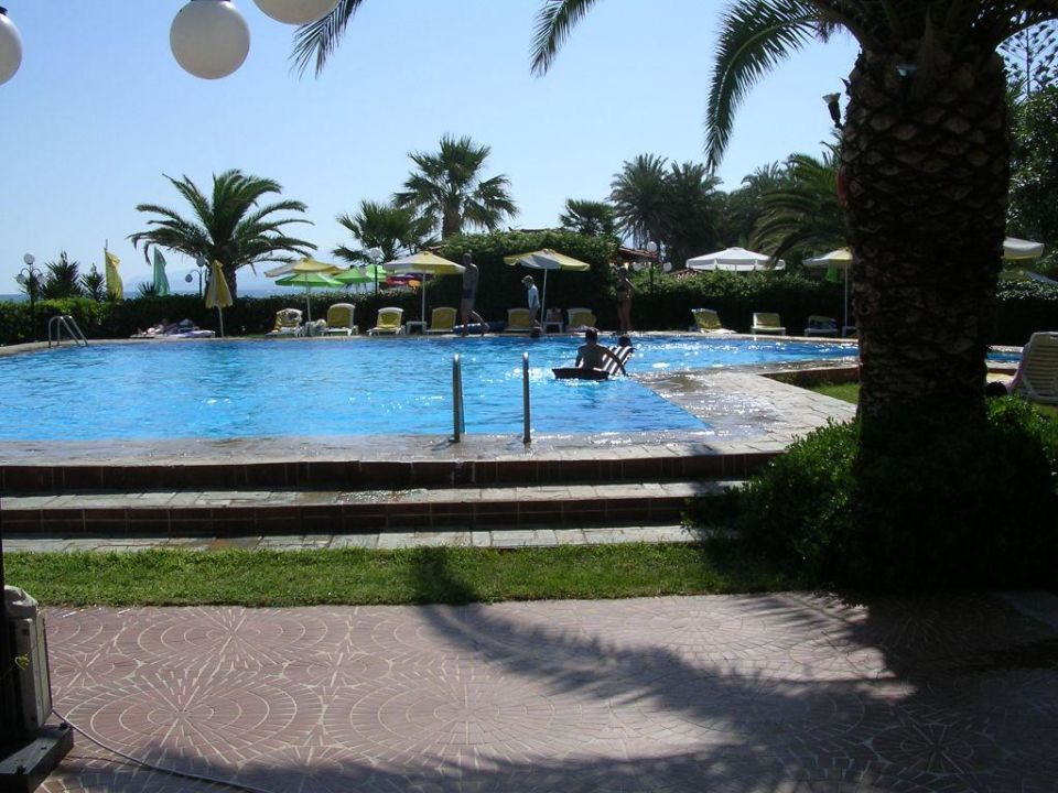 Pool Hotel Zephyros Beach