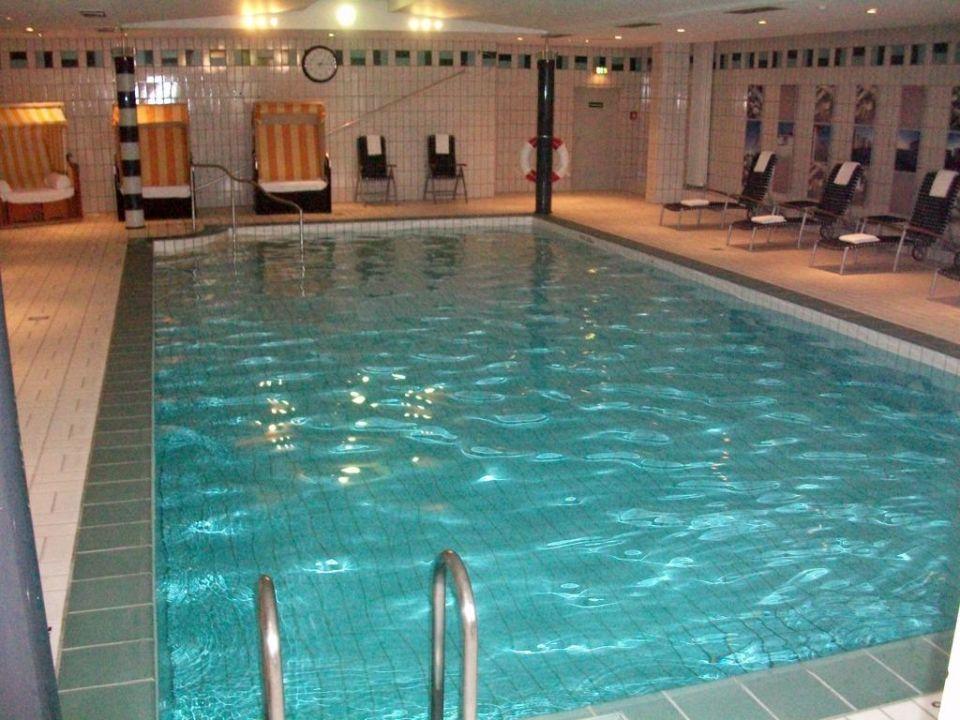 Poolbereich Leonardo Hotel Hannover Airport Langenhagen