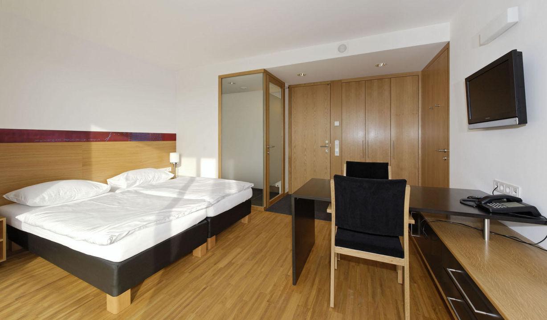 bild ruheraum mit sauna powernapping liegen zu spes hotel seminare in schlierbach. Black Bedroom Furniture Sets. Home Design Ideas